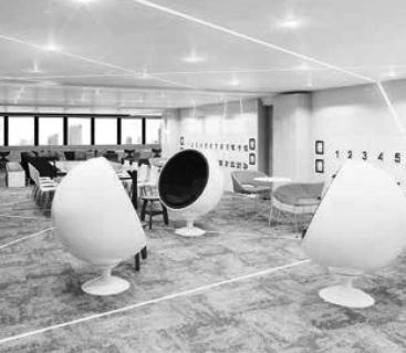 宇宙船をモチーフにした会員制フリースペース